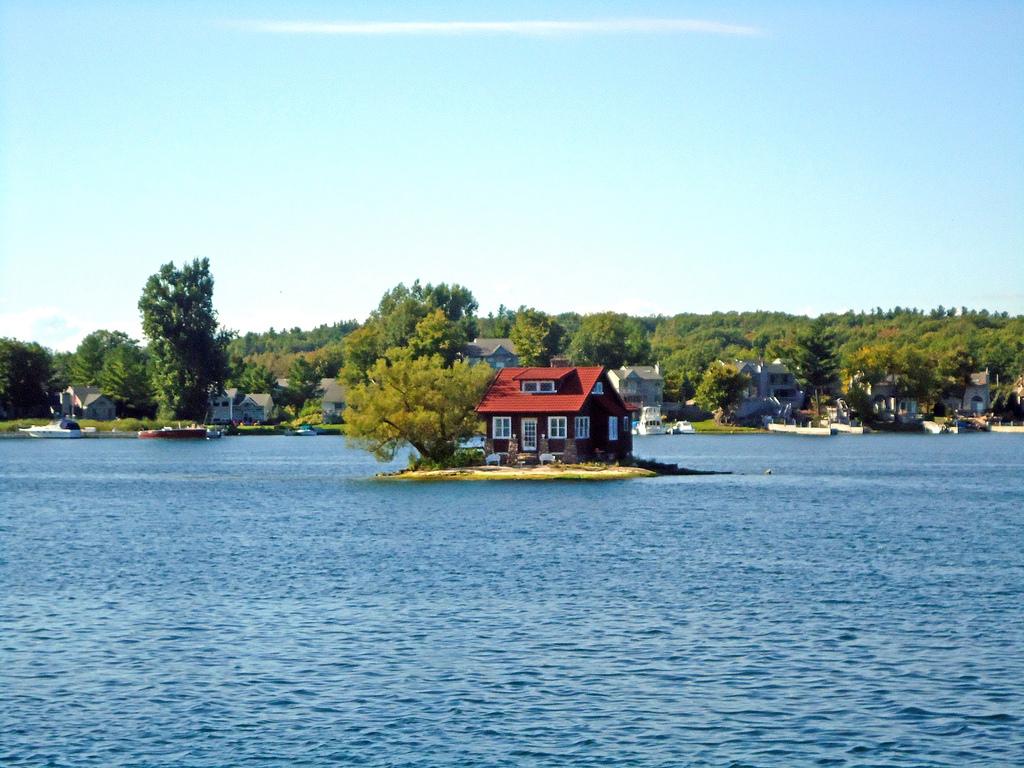 isla habitada más pequeña del mundo