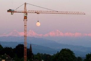 luna en construcción